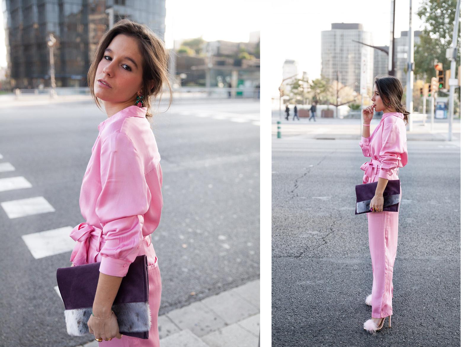 theguestgirl Laura Santolaria theguestgirl influencer NA-KD spain pink satin look style