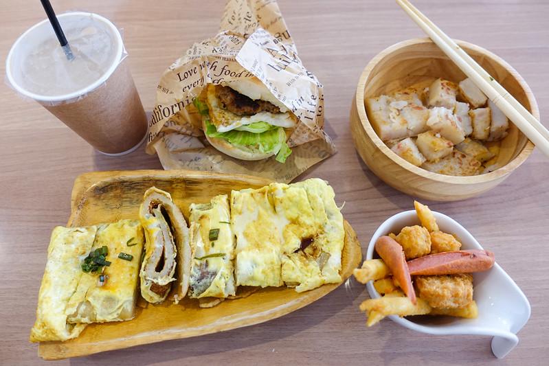 [美食] 台南 日十。早午食 平價早午餐 手打豬漢堡好吃!起司蛋餅Q彈份量大!