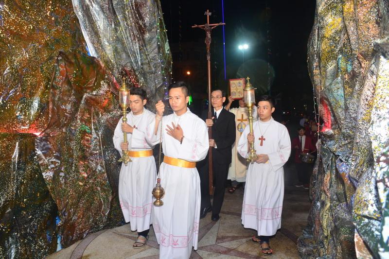 Thánh Lễ Truyền Chức Linh Mục Giáo Phận Qui Nhơn - Ảnh minh hoạ 13