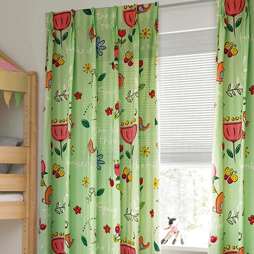 春日 風和日麗 春暖花開 春意盎然 童趣花園花卉 小鳥 蝴蝶 蜜蜂 半遮光窗簾布 DA890140