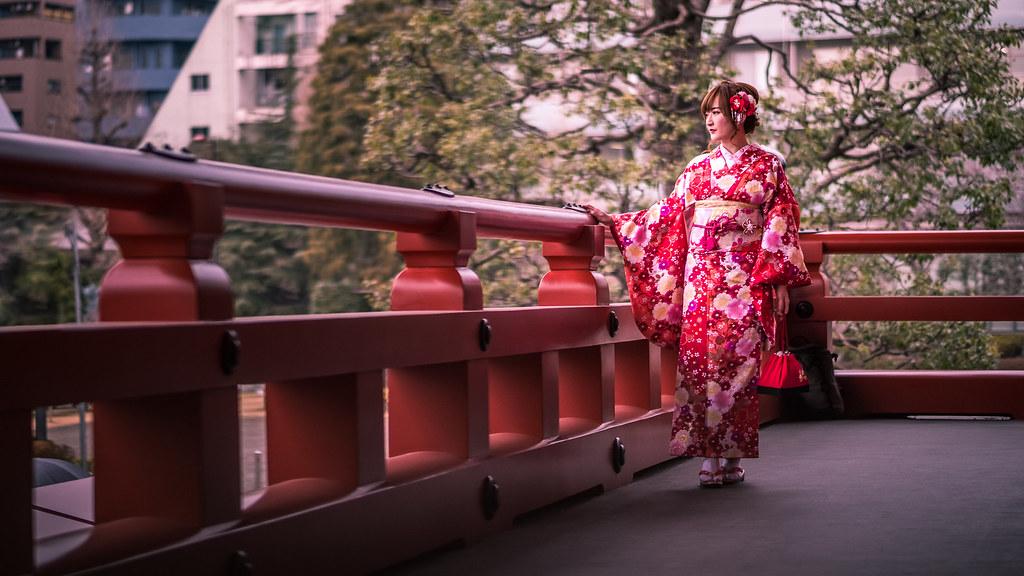 The Kimono Girl - Tokyo, Japan - Color street photography