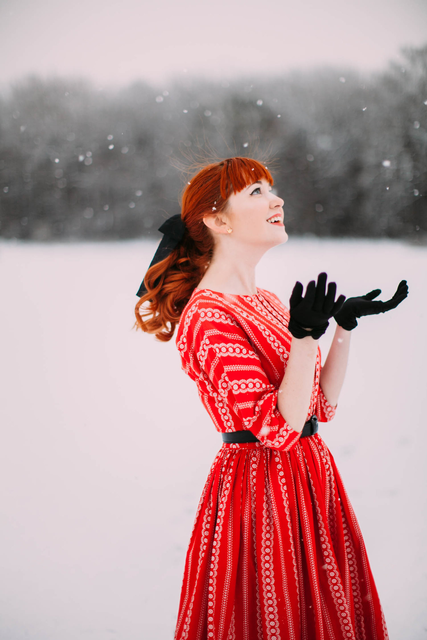 aclotheshorse snow red vintage dress happy holidays