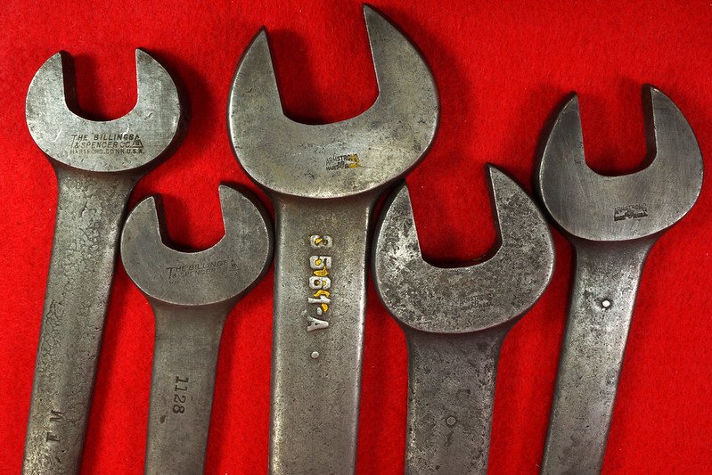 RD19864 3 Ford Motor Antique Armstrong Open End Wrenches 3559-A, 3560-A, 3561-A Model A & 2 Ford Motor The Billings & Spencer Co Hartford 1132 & 1128 DSC03183