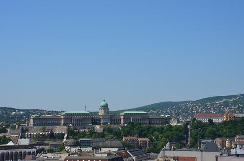 Der Burgpalast von Buda vom den Kuppel der Stephansbasilika