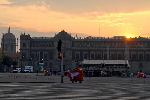 mexicocity mexico mexique place zocalo square sunrise national palace palais palacio leverdusoleil canon eos 7d mars march
