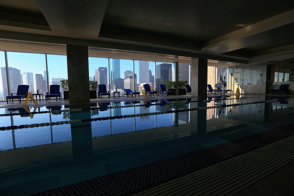 Hilton Americas-Houston Pool and Gym 20