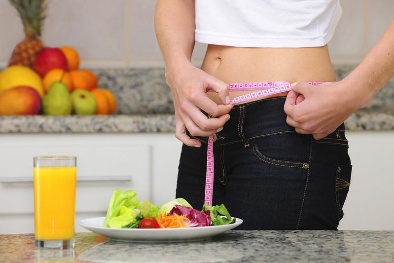 uống tinh bột nghệ giúp giảm cân