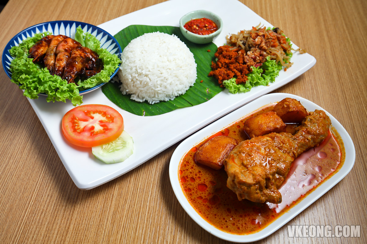 Nasi-Lemak-Assam-Prawn-with-Curry-Chicken