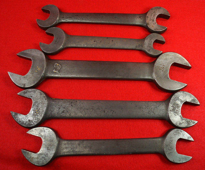 RD19864 3 Ford Motor Antique Armstrong Open End Wrenches 3559-A, 3560-A, 3561-A Model A & 2 Ford Motor The Billings & Spencer Co Hartford 1132 & 1128 DSC03176