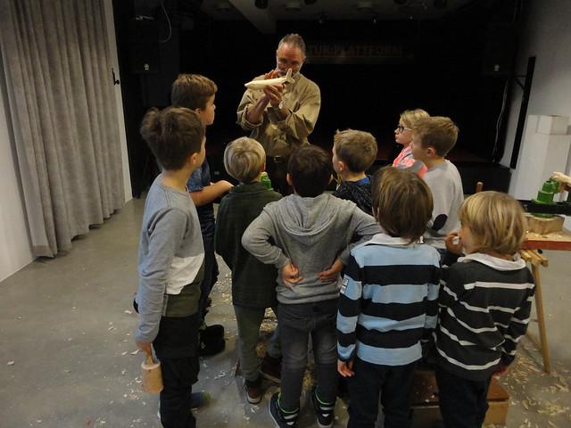 Kinderworkshop Schnitzen mit Stefan Rohrmoser, Fotos © Kathi Höring