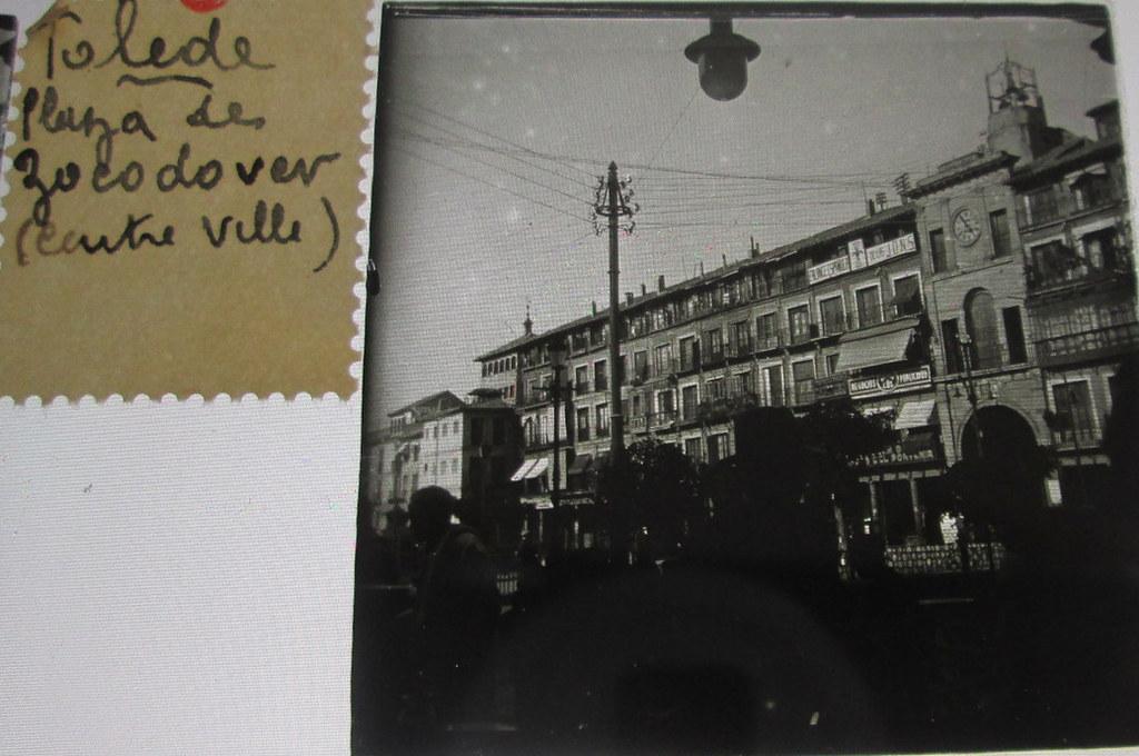 Plaza de Zocodover   hacia 1935. Cristal estereoscópico de autor anónimo francés.
