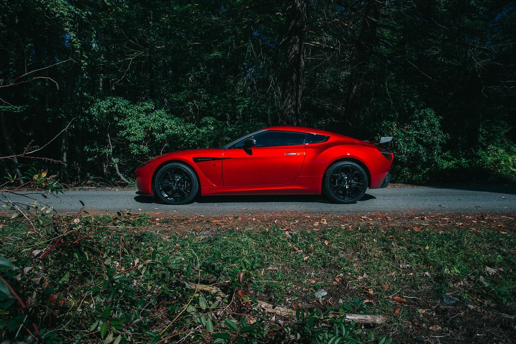 Aston-Martin-V12-Vantage-Zagato-12
