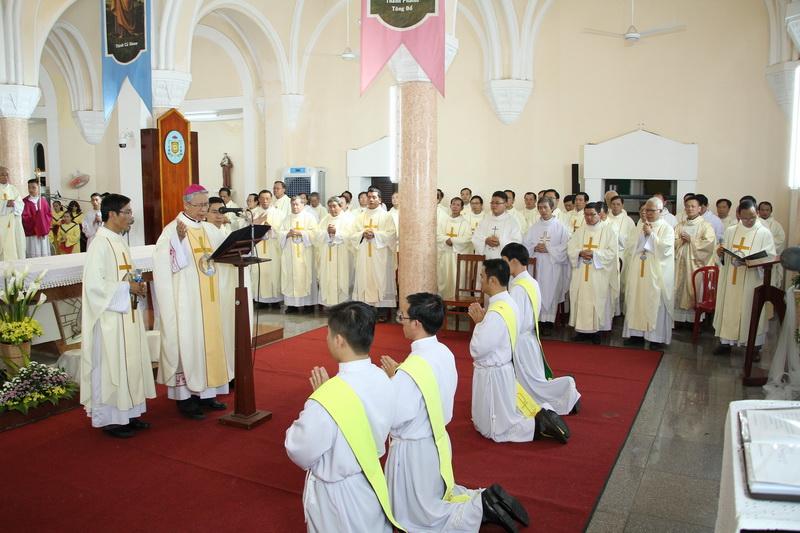 Thánh Lễ Truyền Chức Linh Mục Giáo Phận Qui Nhơn - Ảnh minh hoạ 77