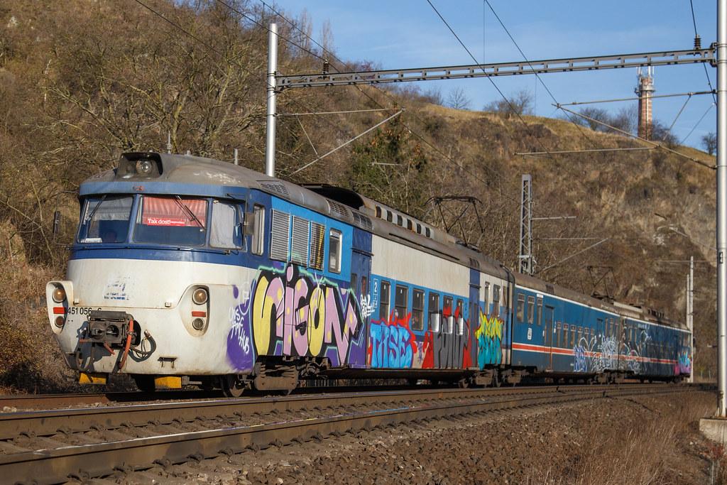 ČD 451 056-6