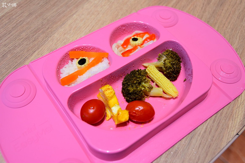 easymat餐盤防拔嬰兒餐具吸盤嬰兒餐具推薦嬰兒副食品餐具推薦EasyMat防滑矽膠餐盤 (28)
