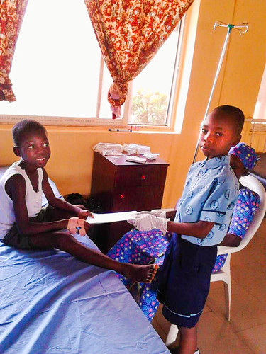 The school children of St Louis NPS, Ondo, visited the State hospital in Ondo, where they brought small gifts to the sick children and spent some time with them