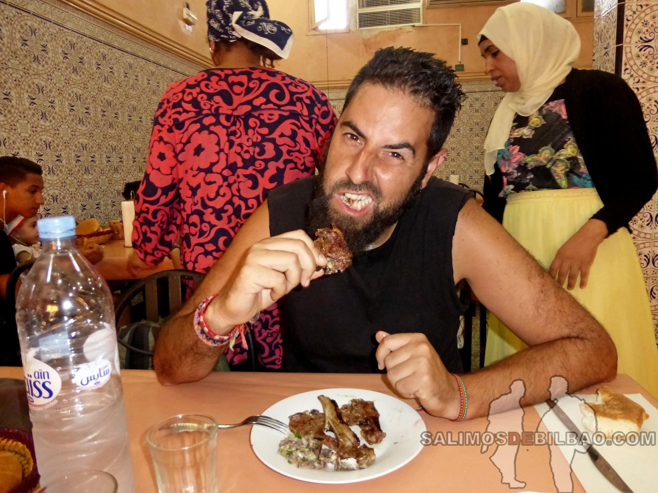 688. Katz, Comiendo chuletillas, Marrakech