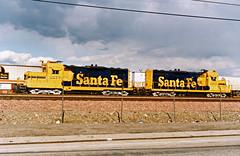 Santa Fe GP9 Nos. 2277 & 2265 At Hobart Yard