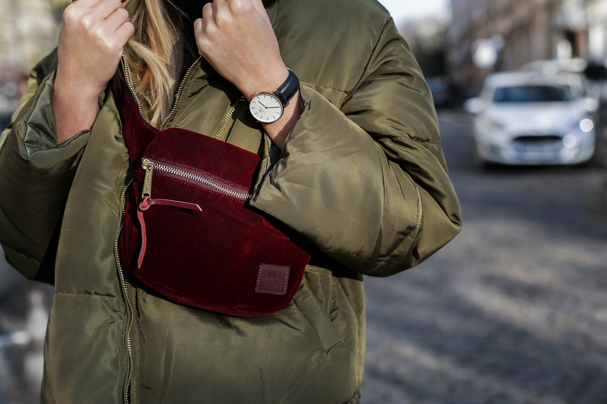 puffer-jacket-khaki-street-style