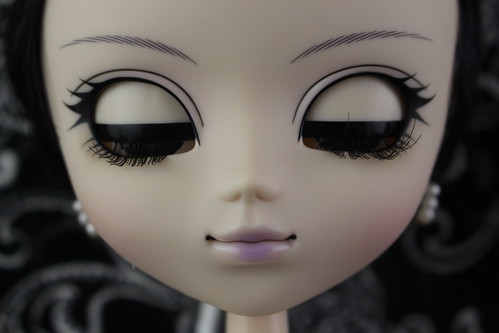 Mistress 9 eyelids