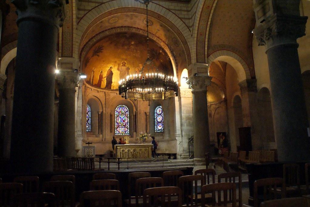 Nef de la Basilique d'Ainay à Lyon.