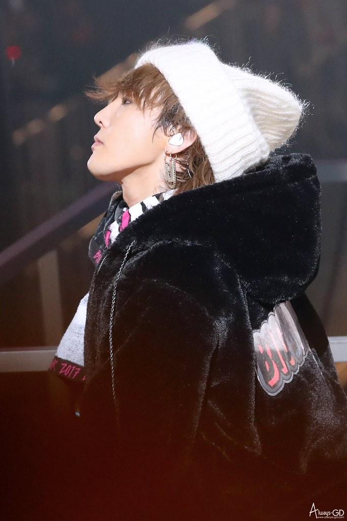 BIGBANG via always_gd - 2017-12-24  (details see below)