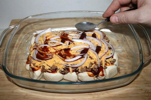 11 - Zwiebeln & mehr BBQ-Sauce hinzufügen / Add onions & more BBQ sauce