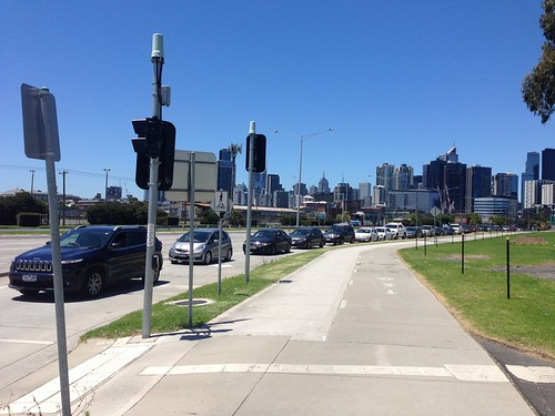 Queue of cars waiting to drive into Costco, Docklands