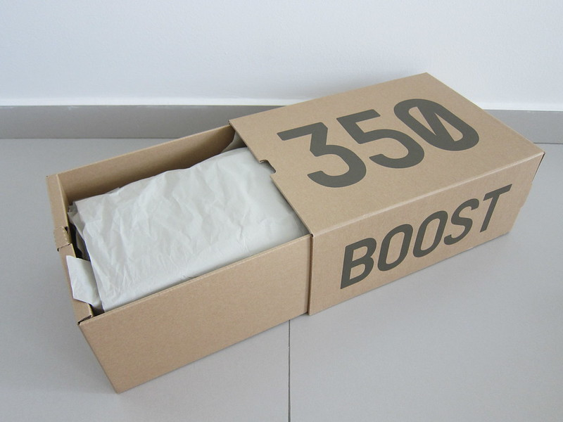 Adidas Yeezy Boost 350 v2 (Blue Tint) - Box Open