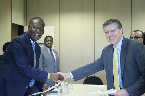 15/12/2017 Brasil e Zâmbia assinam contrato de reestruturação de dívida