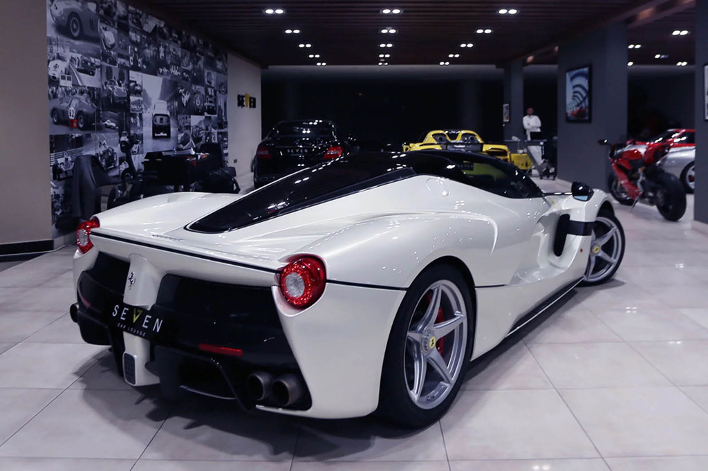 laferrari-aperta-white-04