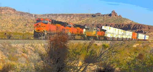 kingman canyon mohave county arizona atsf bnsf mountains desert landscape locomotive 01012018