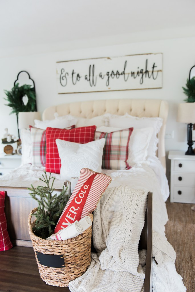 Cozy Cheerful Farmhouse Christmas Bedroom Decoration Best Holiday Decor
