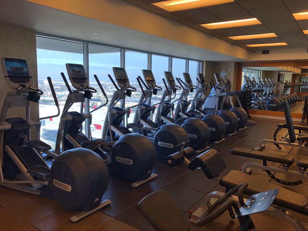 Hilton Americas-Houston Pool and Gym 5