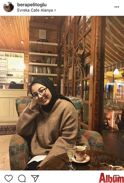 Bera Pelitoğlu, Evreka Kafe'de keyifli bir sohbet eşliğinde kahve keyfi yaptı.