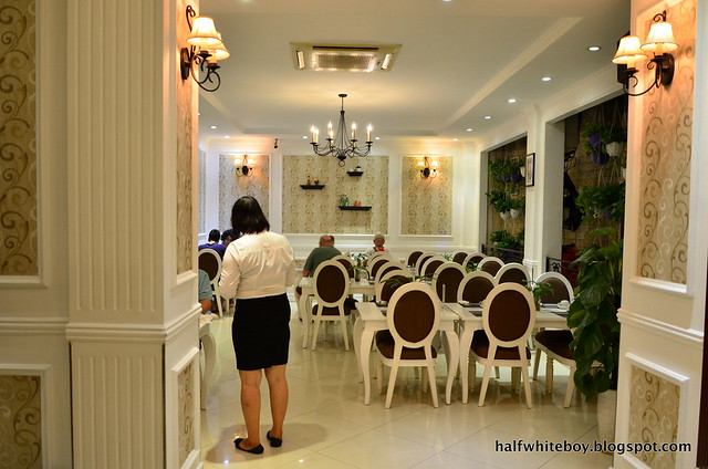 halfwhiteboy - la beaute de hanoi hotel vietnam 20
