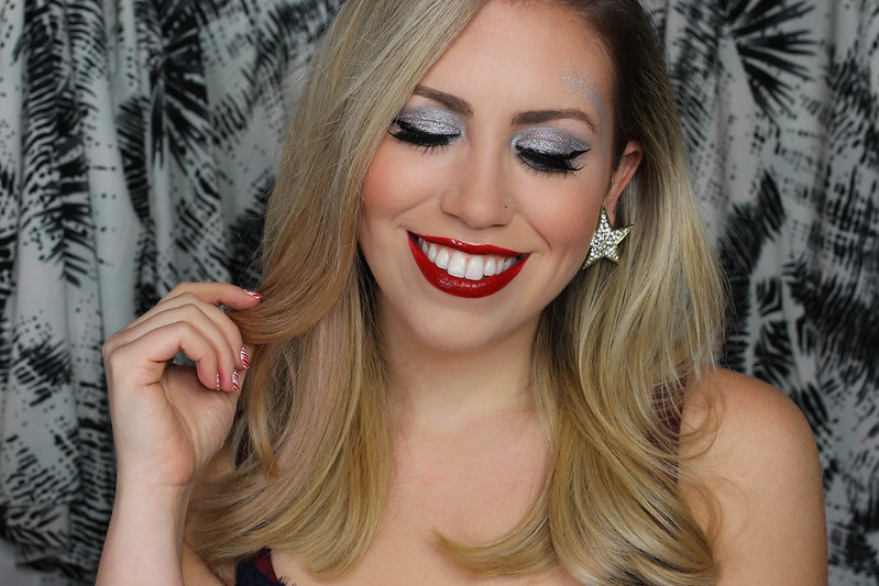 Sparkle Surprise: Crazy Holiday Themed Party Makeup