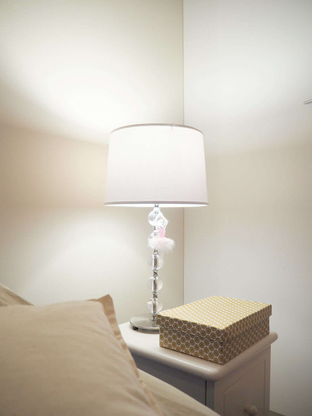 bedroom decoration pentik valaisin