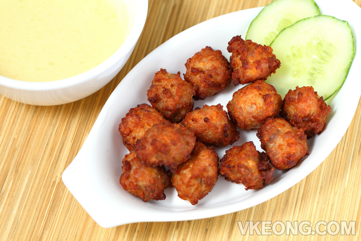 Fried-Pork-Ball-in-Cheese