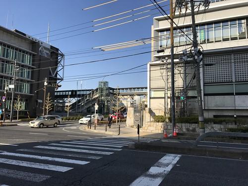 千切られるとまずいので名古屋まで爆走。写真は岡崎市役所