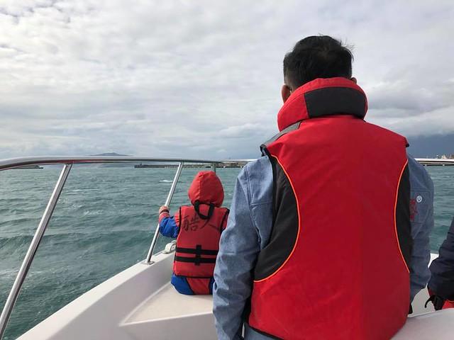 跟合作廠商出海體驗遊艇行程 (3)