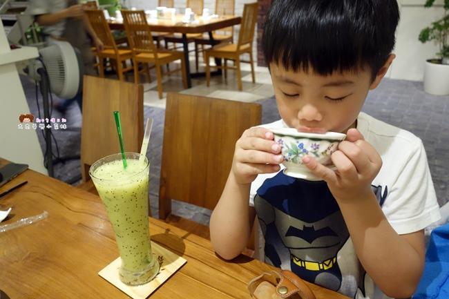 YATS葉子餐廳 新竹餐廳推薦 costco 蔬果汁 (2).JPG