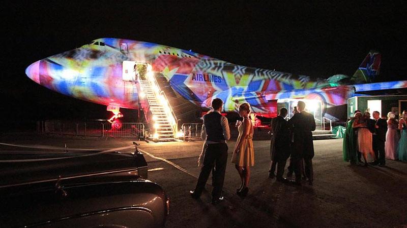 Kini pesawat Boeing 747 dapat dijadikan tempat melangsungkan pesta pernikahan.