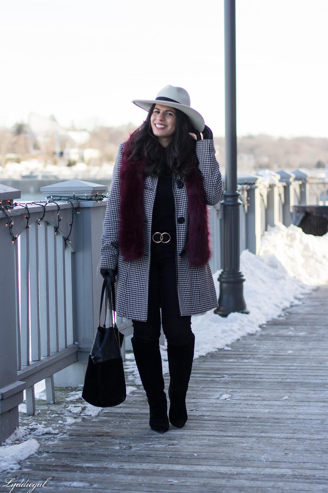 houndstooth coat, boots, wide brim fedora, fur scarf-10.jpg