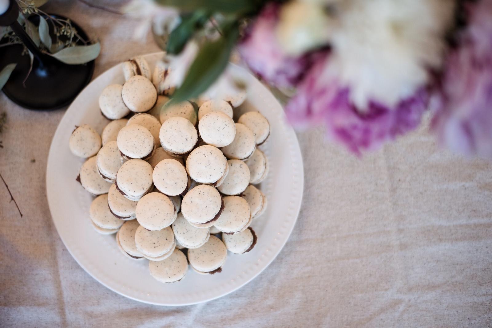 Earl Grey Macarons on juliettelaura.blogspot.com