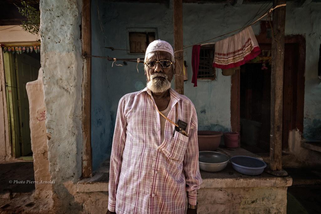 BADAMI : PORTRAIT DUN VIEIL HOMME