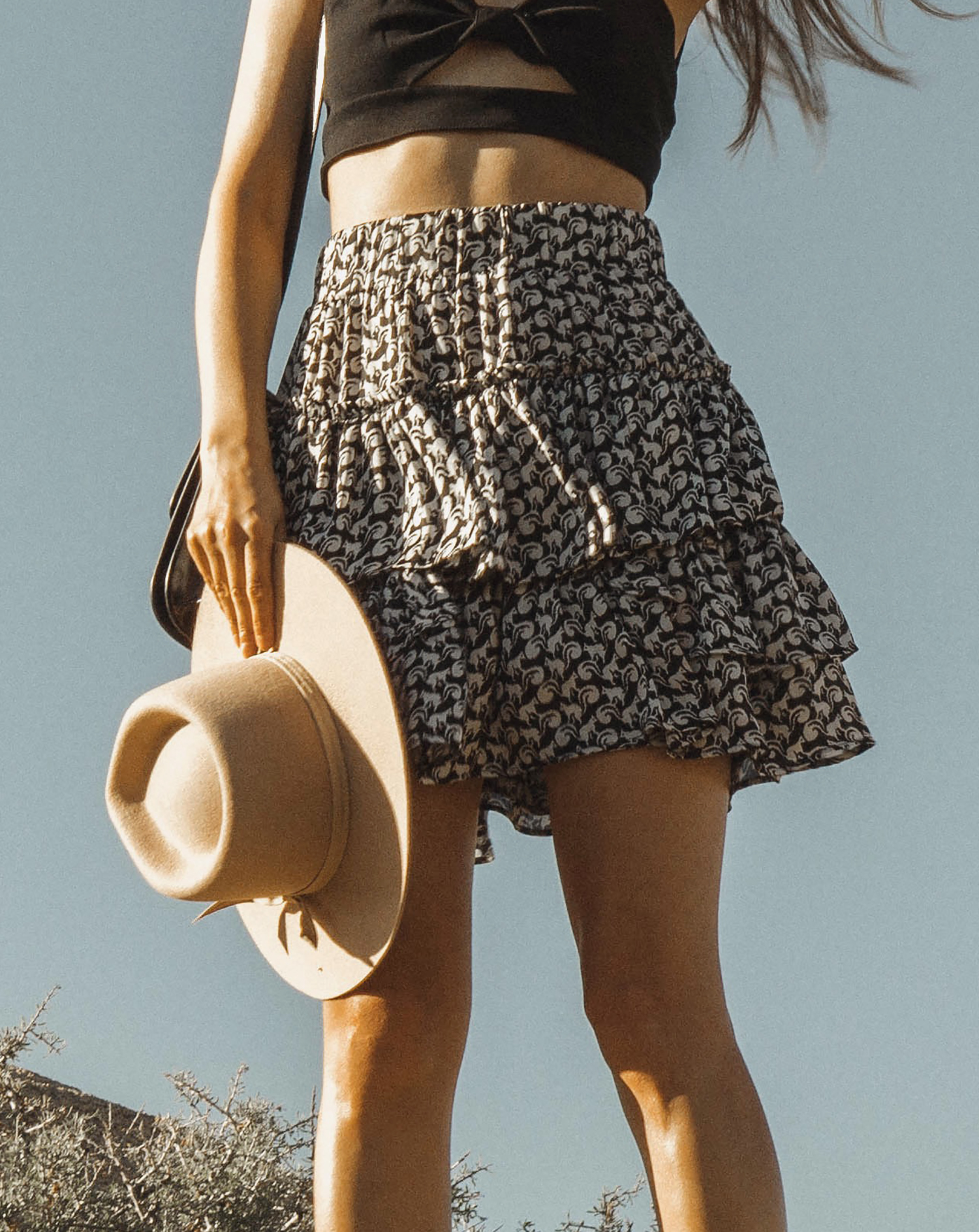 joshuatreepark_highwaistedskirt_lackofcolor_hat_thezulu_celinebox_california_blogger_20