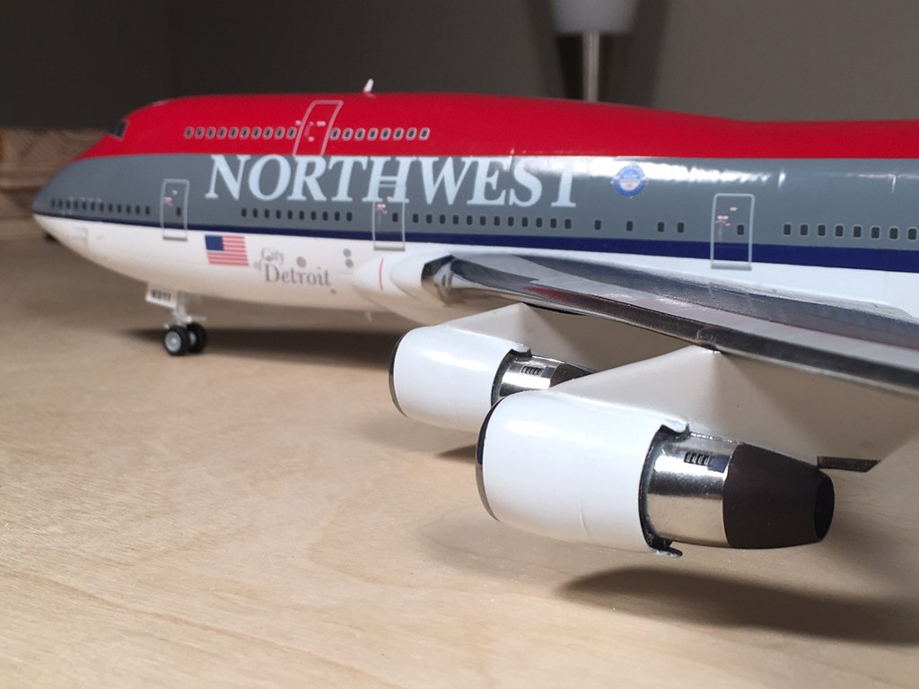 NW 747 6
