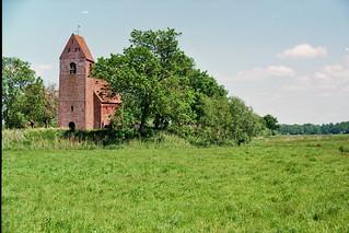 Kerkje / little medieval church / kleine mittelalterliche Kirche Marsum
