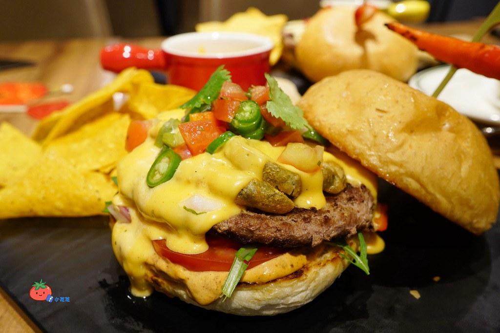 信義區ATT美食 漢堡 樂子 THE DINNER